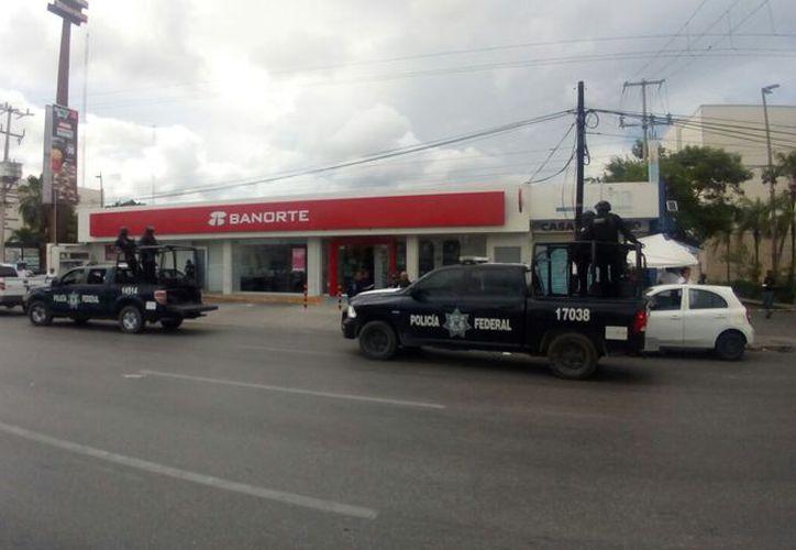 El pasado lunes se registró el asalto con violencia a la sucursal de Banorte. (Eric Galindo/SIPSE)