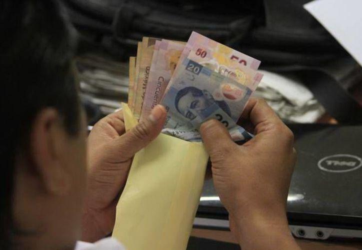 Cada trabajador del Estado podrá acceder a un préstamo de hasta 5 mil pesos. (SIPSE)