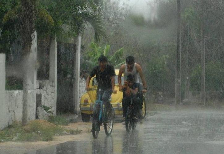 Según Metereología Yucatán se aproxima una celda de tormenta posiblemente acompañada con viento fuerte y granizo en el sur de la entidad. (Imagen ilustrativa/ SIPSE)