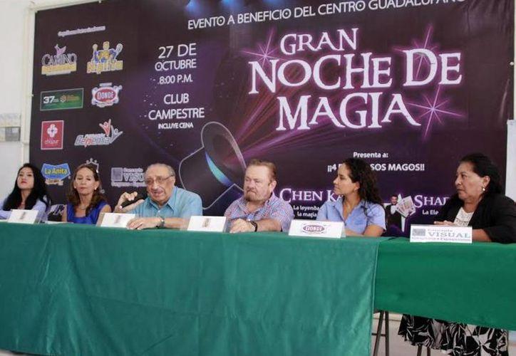 Imagen de la rueda de prensa de los organizadores que anunciaron la 'Gran noche de magia'. (Milenio Novedades)