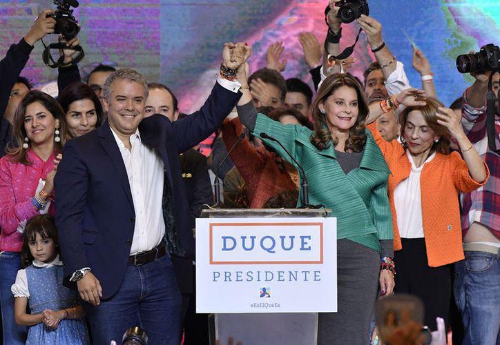 Iván Duque ganó la segunda ronda presidencial colombiana con 10.3 millones de votos, 53.9 por ciento de los sufragios. (Notimex)