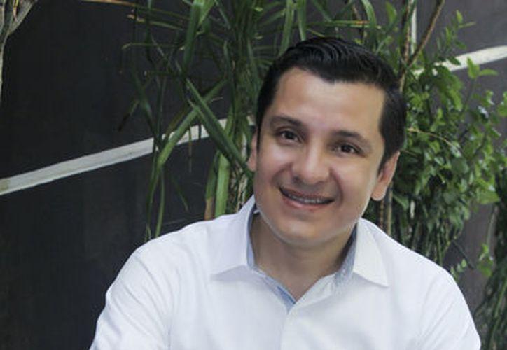 Para Manuel Díaz Suárez, diputado local por el V Distrito, lo más importante en la vida es la familia. (Milenio/Novedades)