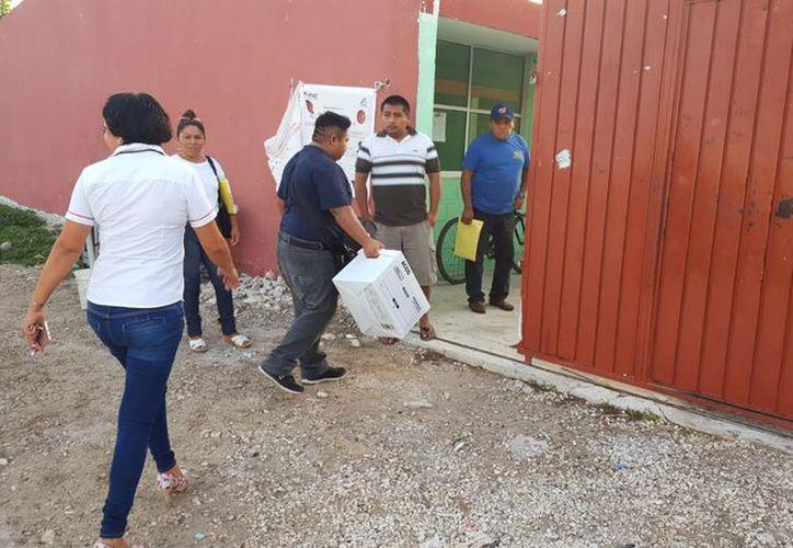 El INE en Progreso, Yucatán presenta problemas debido a falta de recurso económico. (Gerardo Keb/Milenio Novedades)