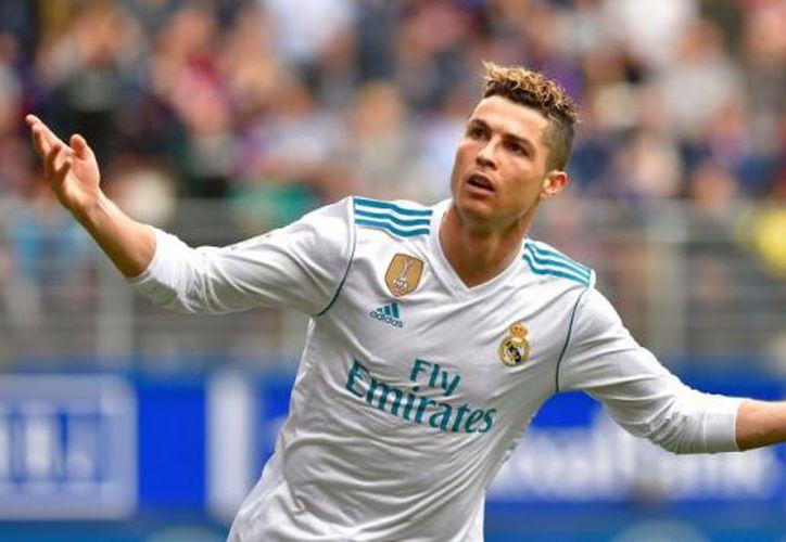 Por otro lado el Real Madrid ya maneja el nombre de un candidato para sustituir Zinedine Zidane en el banquillo. (AFP)