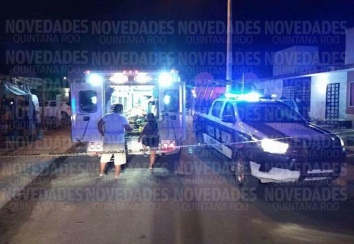 Al lugar llegaron paramédicos y elementos de seguridad para atender la emergencia. (SIPSE)