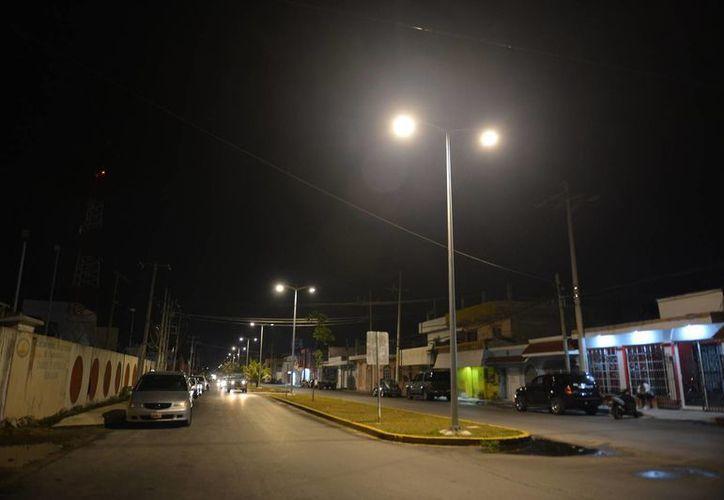 Pretenden instalar un total de mil 600 lámparas en una primera fase. (Julián Miranda/SIPSE)