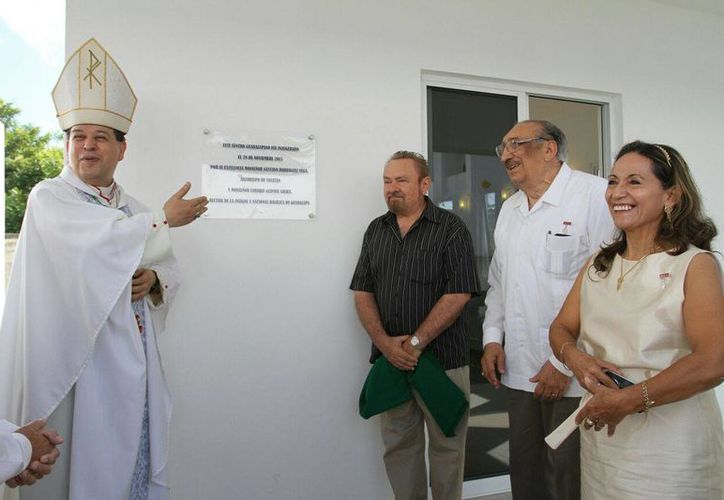 El Arzobispo de Yucatán, Monseñor Gustavo Rodríguez Vega, estuvo presente en la inauguración del Centro Guadalupano de Evangelización y Asistencia Social, con sede en la avenida Mérida 2000. (César González/Milenio Novedades)