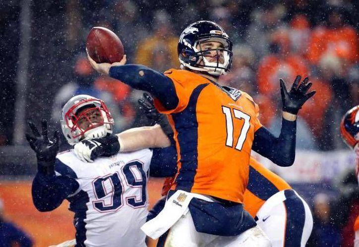 El lanzador de los Broncos, Brock Oswieler, quien suple al lesionado Peyton Manning, encabeza al ataque número 24 y con esto buscará derrotar a los Acereros este domingo en el Heinz Field. (Archivo AP)