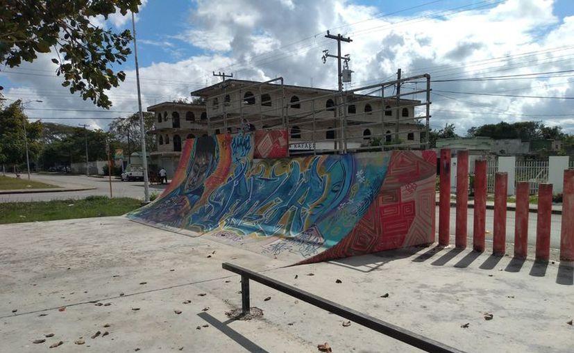 La cancha de skate de Felipe Carrillo Puerto luce abandonada, desde hace cinco años. (Jesús Caamal/SIPSE)