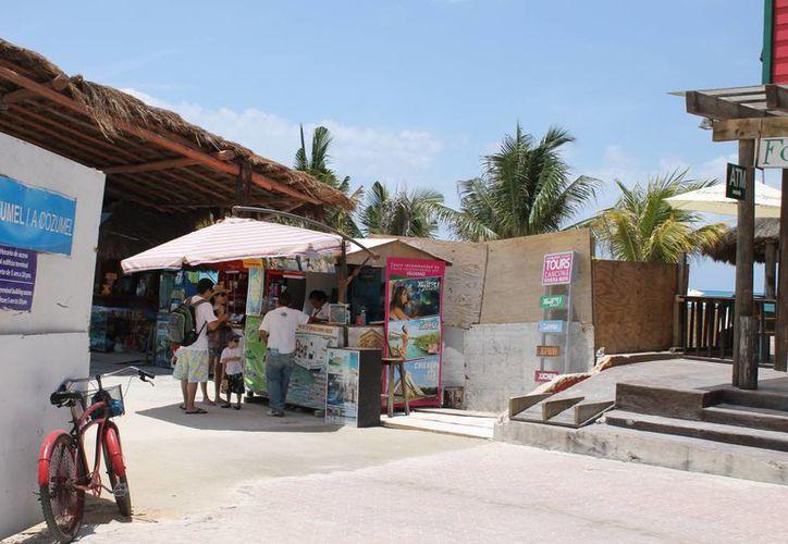 La dirección de Zofeman instó a la empresa que administra el muelle fiscal para que habilite un acceso hacia la playa pública. (Juan Carlos Cano/SIPSE)