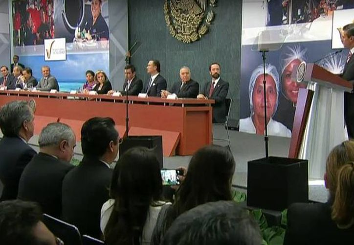 El presidente Enrique Peña Nieto durante la ceremonia de entrega del Premio Nacional de Calidad. (@PresidenciaMX)