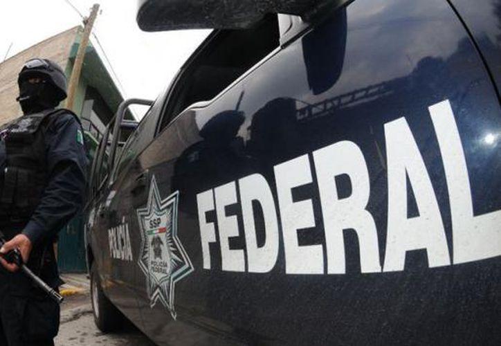 Los agentes federales trasladaron al detenido al Instituto Nacional de Migración. (Internet)