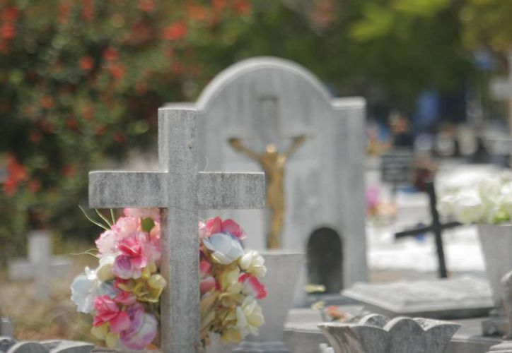 El concesionario lleva un periodo de 10 años administrando el cementerio pero el contrato establece que en caso de incumplir con las obligaciones está la posibilidad de anularlo. (Harold Alcocer/SIPSE)