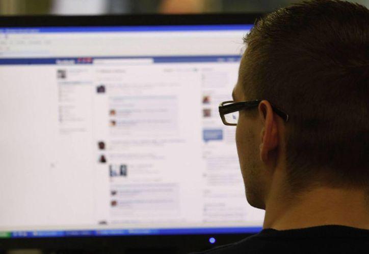 Para finales de 2014, la reducción de los adeptos a Facebook será 20 por ciento, mientras que para 2015 la baja será aún más significativa. (Internet)
