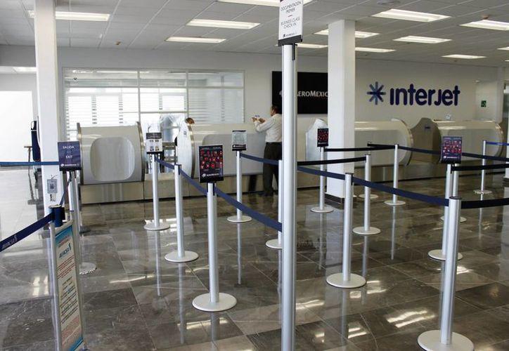 El edifico del Aeropuerto de Chetumal tiene problemas de construcción, denuncian trabajadores del sitio.  (Carlos Horta/SIPSE)