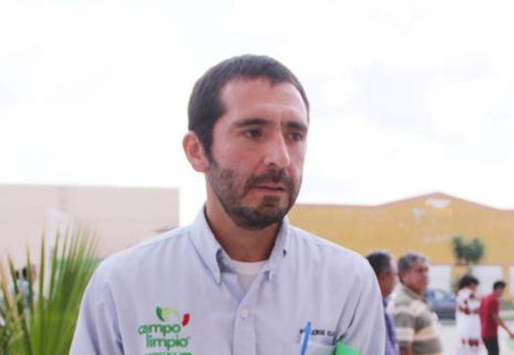 Jorge Rojas Avilés, coordinador regional de Amocali, A.C.-Campo Limpio, informó que Akil fue el municipio con más participación en el programa de recolección de envases de pesticidas. (Milenio Novedades)