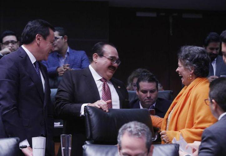 El legislador yucateco recalca que no es posible que los recibos de luz suban un 400% en la entidad, que tienen las alzas más altas de todo el país.