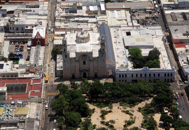 El libro de inversiones habla de las ventajas de invertir en Mérida. (Milenio Novedades)