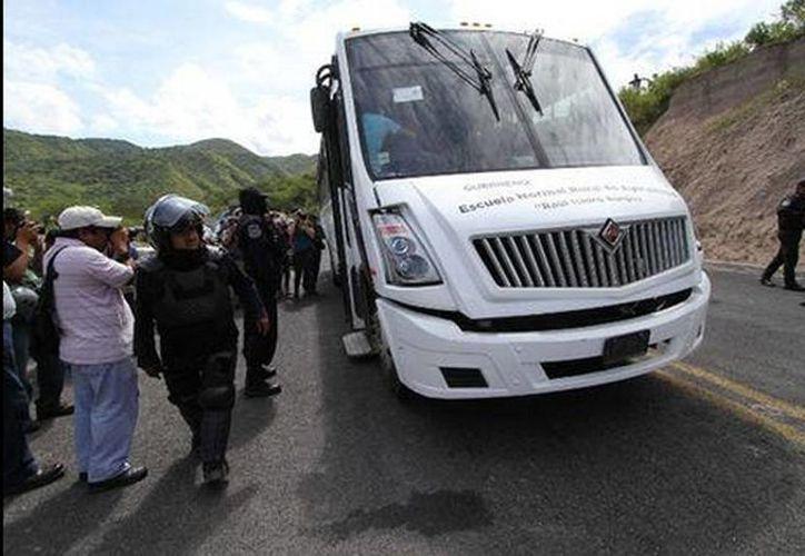Chilpancingo amaneció bajo un fuerte despliegue de seguridad ante la marcha programada por el aniversario de la desaparición de los 43 normalistas. (Omar Franco/Milenio)