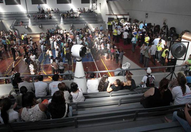 Seguidores del candidato presidencial paraguayo Lino Oviedo. (EFE)