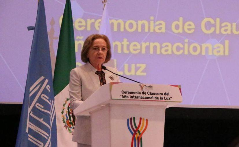 Ana María Cetto, profesora de Física en la UNAM, habló sobre los logros alcanzados en el Año Internacional de la Luz, de cuyo comité en México ella es titular. (José Acosta/SIPSE)