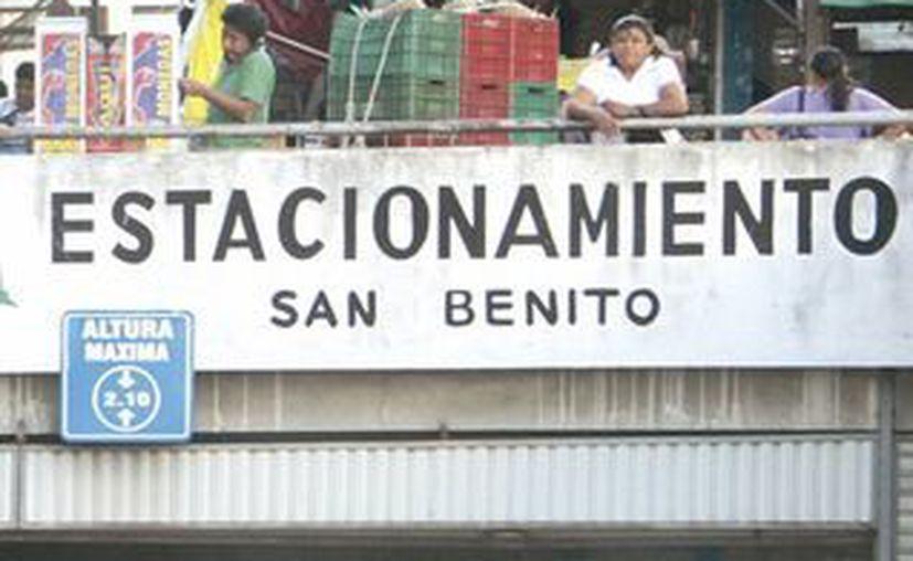 El estacionamiento del mercado San Benito, que le pertenece al propio municipio y carece de póliza de seguros. (Milenio Novedades)