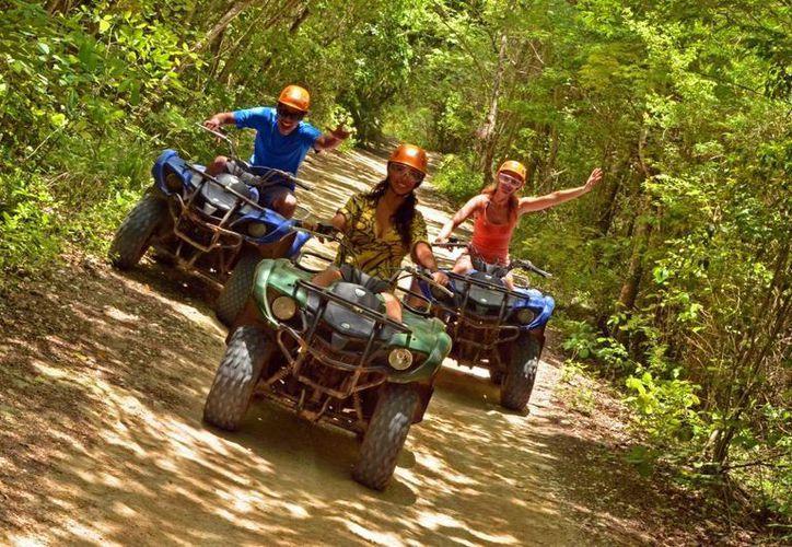 Recorridos en cuatrimoto por la selva, visitar el hogar de una familia maya tradicional, exploración de una cueva, nado en un cenote y visitar vestigios mayas, son los atractivos que ofrece este parque. (Cortesía/SIPSE)