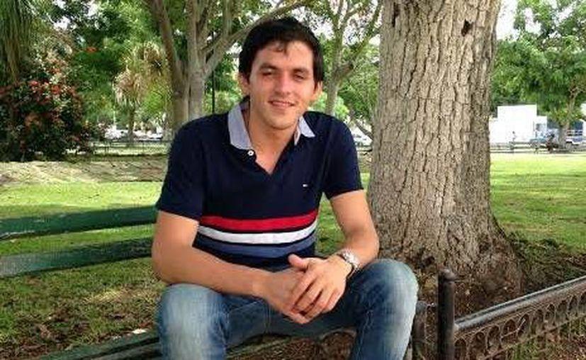 Tras ganar en la Facultad de Contaduría y Administración de la Uady, Roberto Rodríguez Sosa se convirtió en el candidato más votado hasta ahora en las elecciones estudiantiles de este año. (Milenio Novedades)