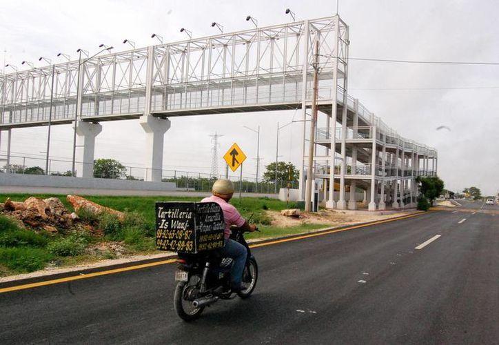 Los trabajos en el puente peatonal cerca del Conalep han terminado. (SIPSE)