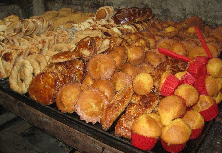 El fin de semana, panaderos tuvieron que surtirse de nuevo, porque vendieron el doble de lo normal. (Javier Ortiz/SIPSE)
