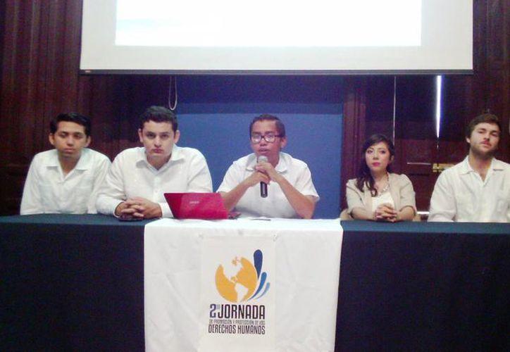 Presentación de la II Jornada Nacional de Promoción y Protección de los Derechos Humanos por parte de los organizadores. (Milenio Novedades)