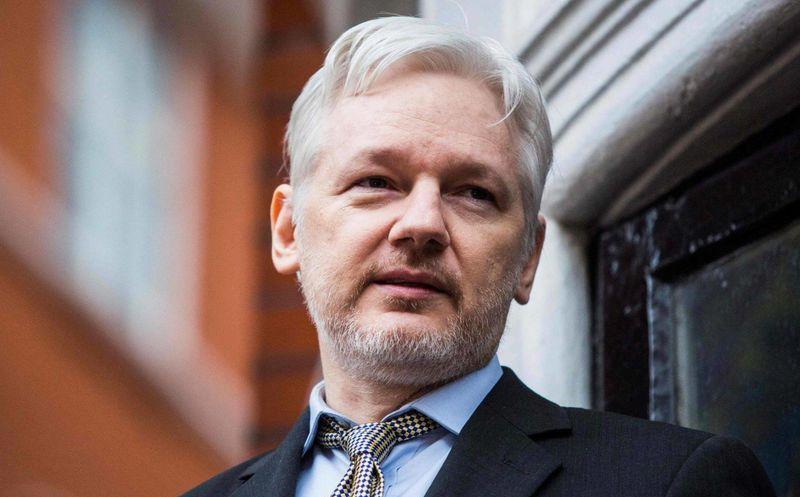 Defensa de Julian Assange rechaza salida de embajada ecuatoriana