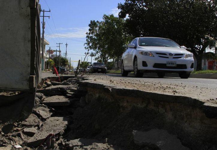 La Sintra atenderá los desfondes y baches que se han originado en Chetumal. (Ángel Castilla/SIPSE)