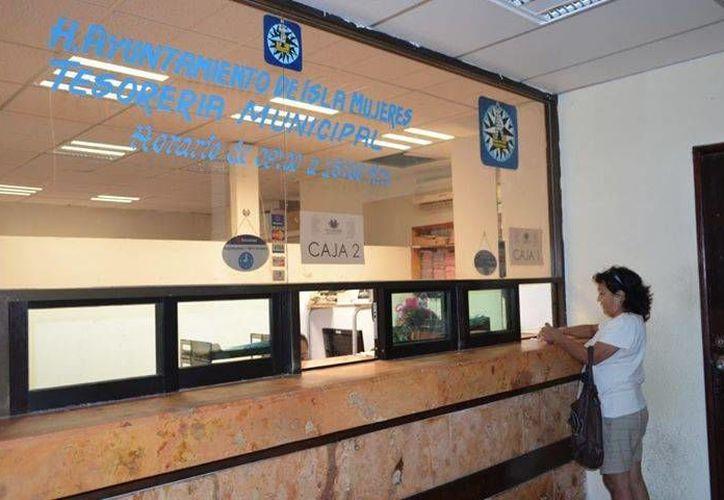 Las ventanillas continuará operando de 9 a 18 horas, en la planta baja del Palacio Municipal. (Redacción/SIPSE)