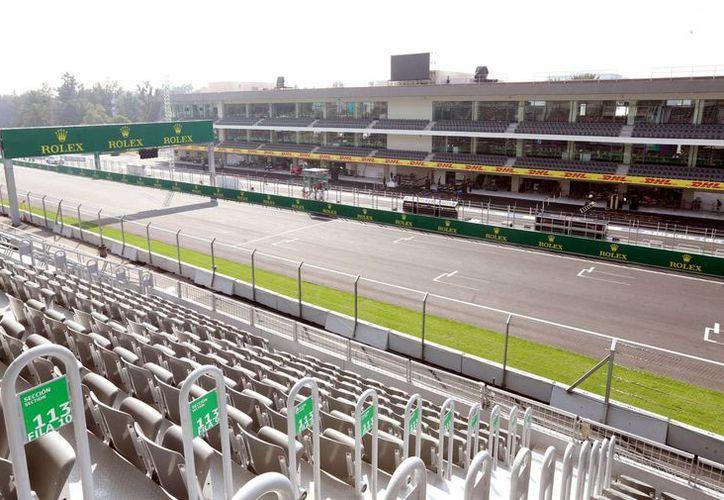 Las autoridades capitalinas recomiendan a los asistentes al Gran Premio de México vestir ropa cómoda, así como usar gorra y bloqueador solar. (Archivo/Notimex)