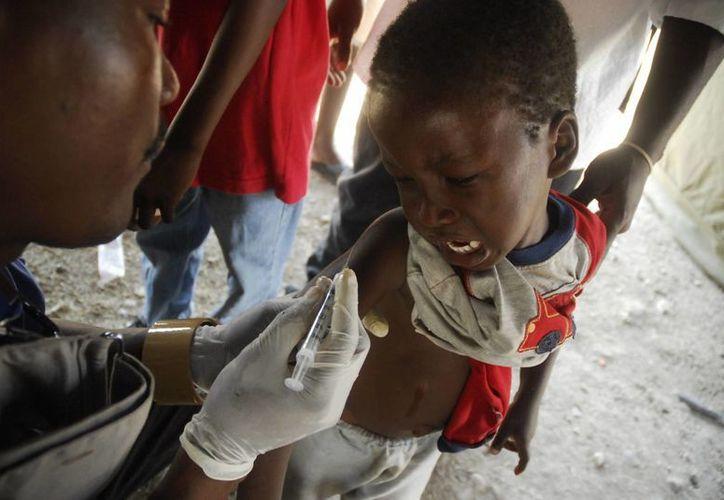 En América Latina mueren dos niños cada hora por enfermedades que pueden evitarse con una vacuna. (Reuters)