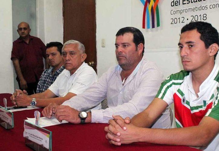 Autoridades del Estado y Tizimín anunciaron el fin de semana deportivo durante una rueda de prensa. (Milenio Novedades)