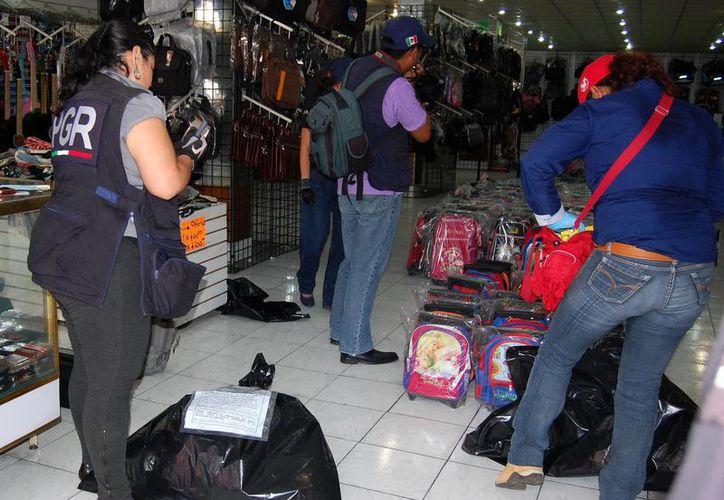 En lo que va del año se han asegurado 380 mil productos pirata en Yucatán. (Milenio Novedades)