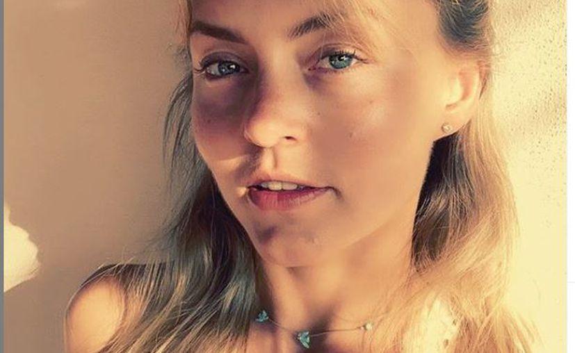 Aunque la actriz no recibió directamente el golpe, poco le faltó para que impactara directo en su rostro. (instagram @angeliqueboyer)
