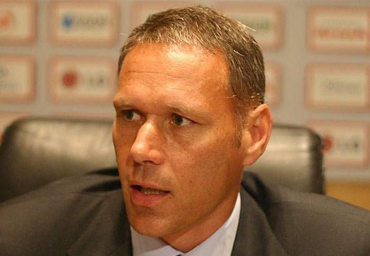 Van Basten dirigió a la selección de Holanda, al Ajax y al Heerenveen. (Foto: Agencias)