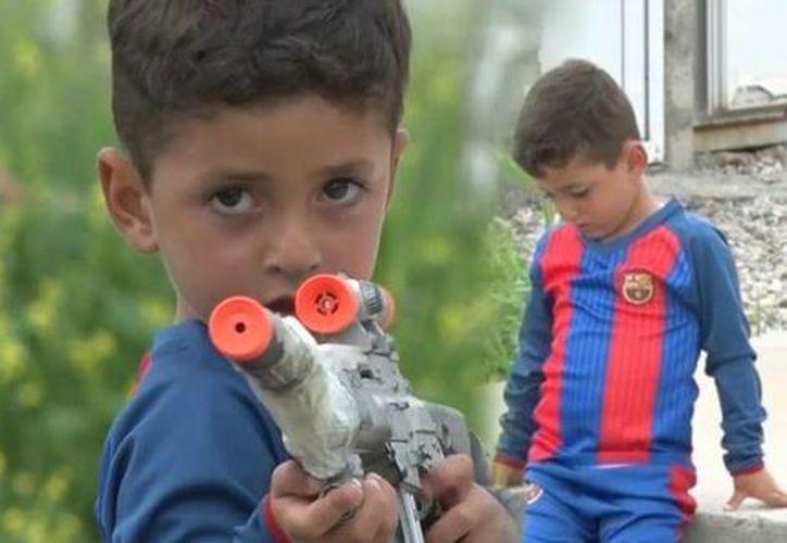 El niño fue nombrado Lionel Messi por su padre, sin embargo, el Estado Islámico lo obligó a que cambiaran su nombre.  (Foto: K24english)