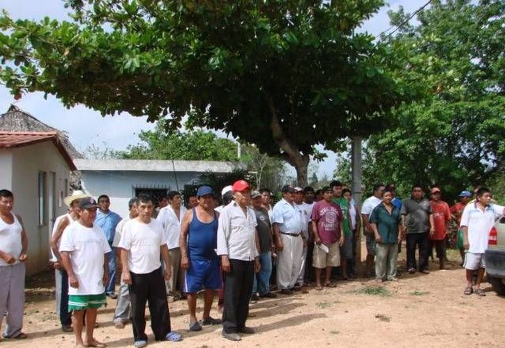 Los campesinos en las comunidades demandan respuesta pronta de las autoridades. (Manuel Salazar/SIPSE)