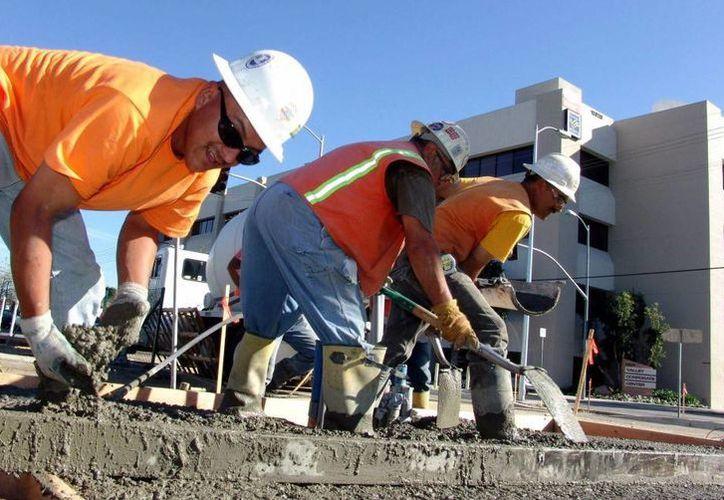 A algunos trabajadores se les debe más de 30 mil dólares. (telemundo33.com)