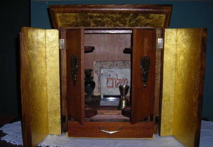 Esta es la caja original de la cual habla la película La Posesión. (Jorge Moreno/SIPSE)