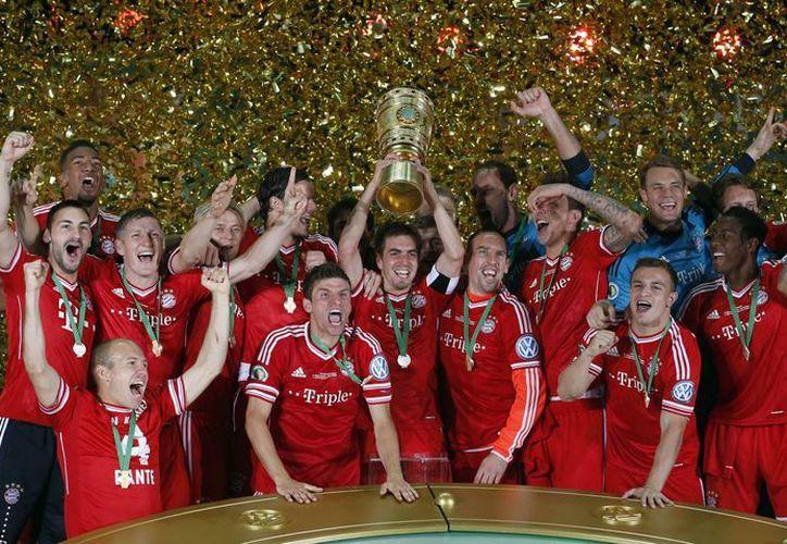 El Bayern se convirtió en el primer equipo alemán en lograr los tres campeonatos el mismo año. (Foto: Agencias)