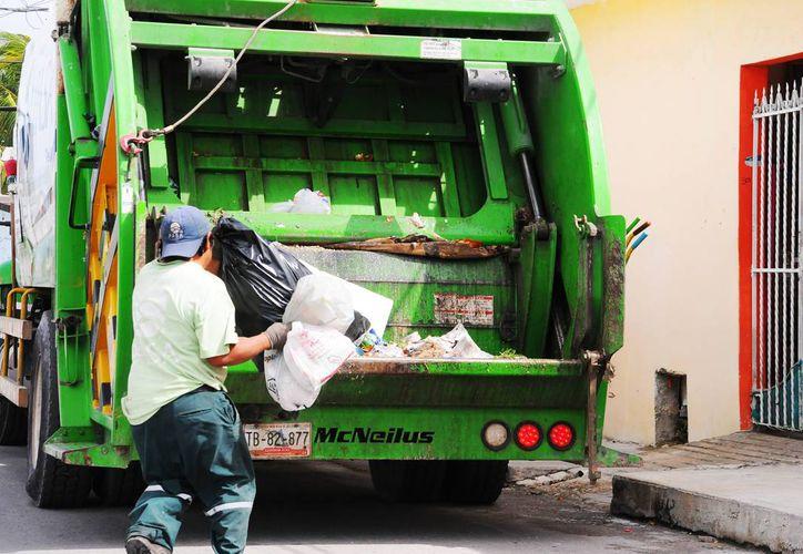 Los cozumeleños pueden reportar la falta de recolección de basura en internet. (Redacción/SIPSE)