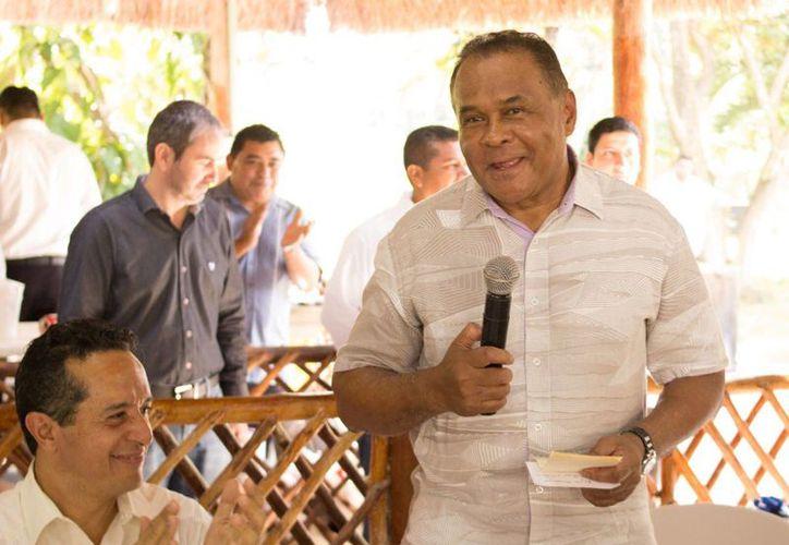 El ex gobernador Joaquín Ernesto Hendricks Díaz afirma que el partido dará cambio para mejorar.(Benjamín Pat/SIPSE)