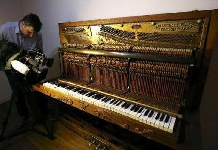 El último piano tocado por John Lennon llegó a Liverpool donde será expuesto dentro de la 'International Beatleweek' (beatlesstory.com)