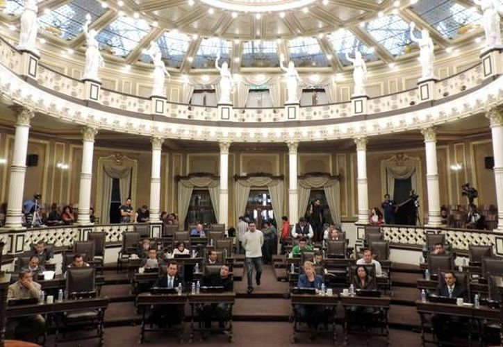 Por mayoría aprobaron los legisladores poblanos la reforma energética. (congresopuebla.gob.mx)