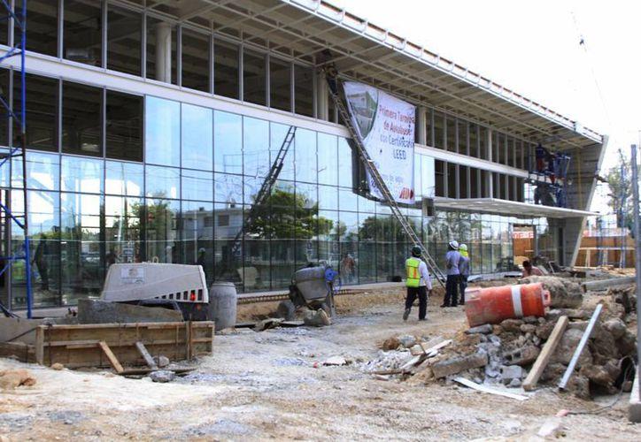 La obra de la terminal ADO tuvo una inversión del orden de los 65 millones de pesos. (Ángel Castilla/SIPSE)